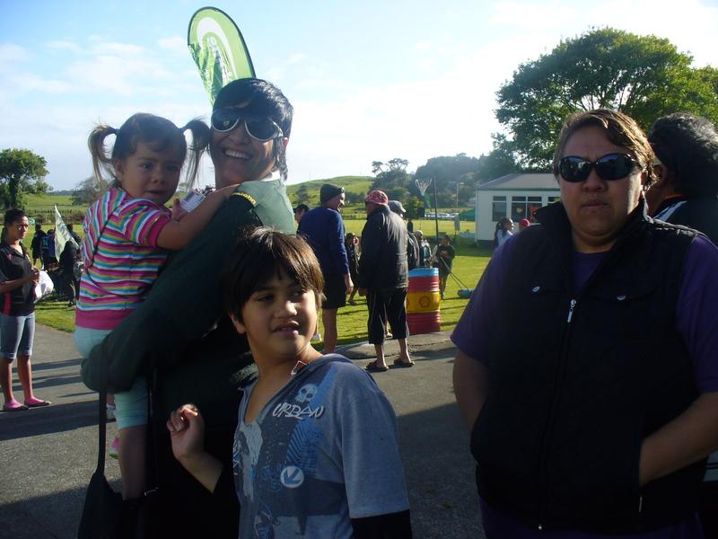 Mihi, Lisa Panapa (birthday girl), Hikurangi and Karen Bishop