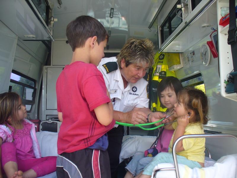 Grasyn, Anne, Rachel and Mihi in the ambulance