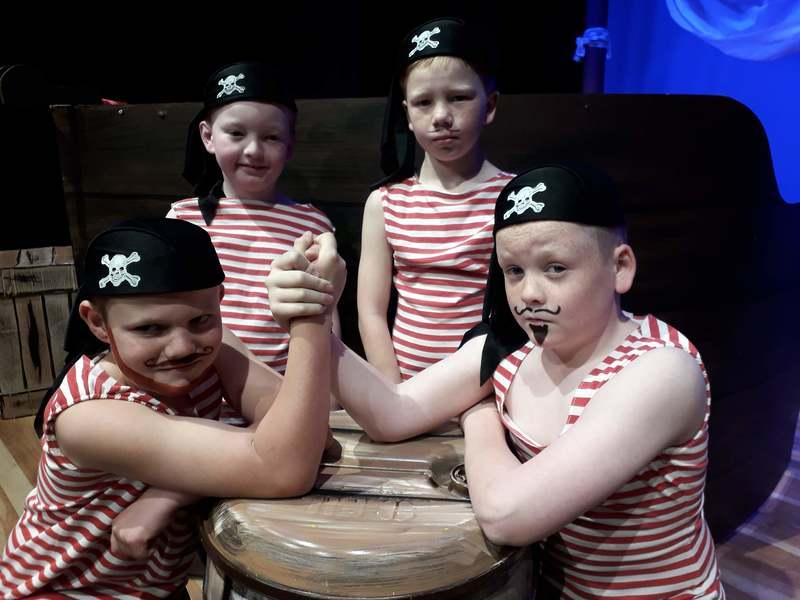 Pirates 2
