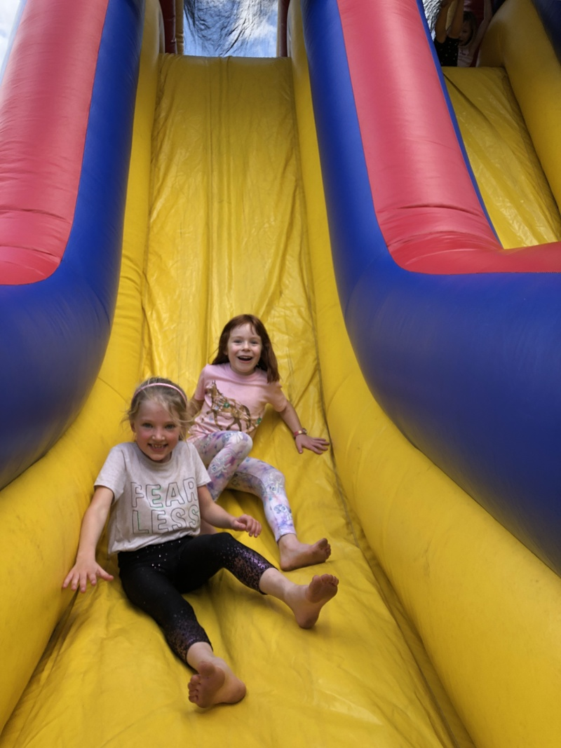 Ellie and Zoe F on the obstacle course