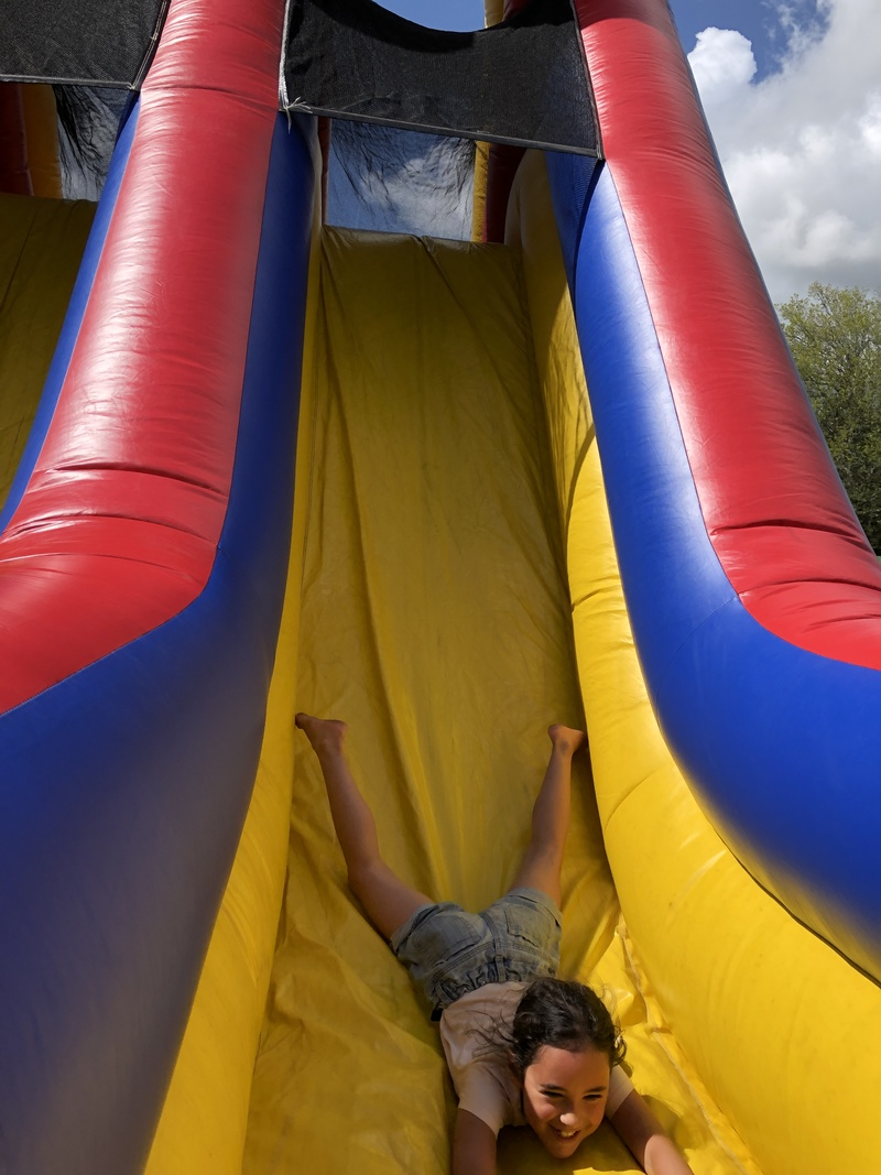 Eliana on the obstacle course