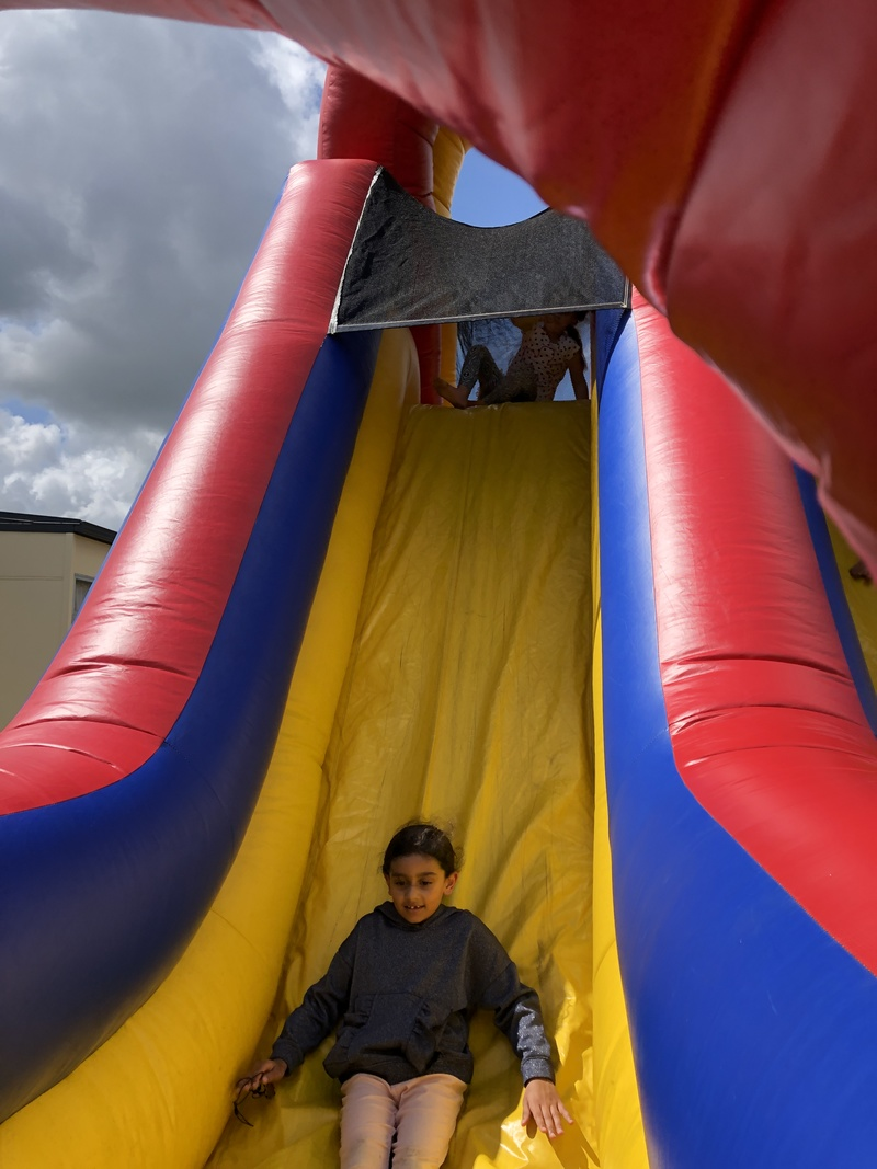 Aania on the obstacle course